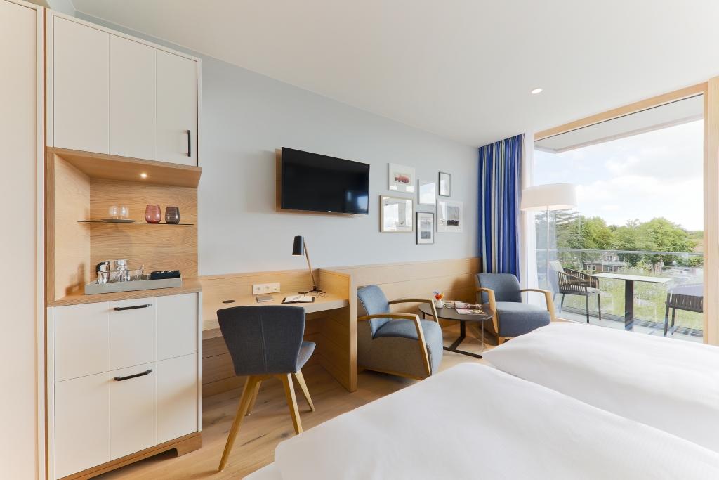 classic zimmer upstalsboom wellness resort s dstrand in. Black Bedroom Furniture Sets. Home Design Ideas