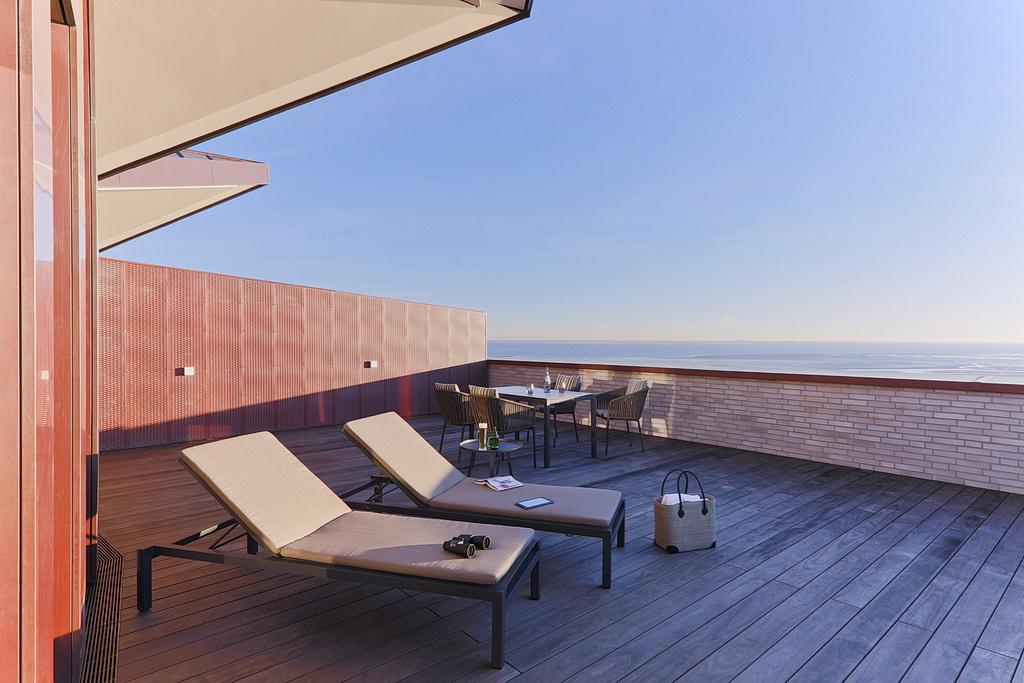 deluxe upstalsboom wellness resort s dstrand in wyk auf f hr. Black Bedroom Furniture Sets. Home Design Ideas